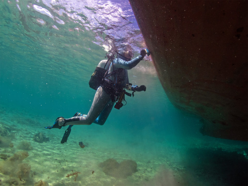 Boot reinigen Hafen Hurghada Alhambra